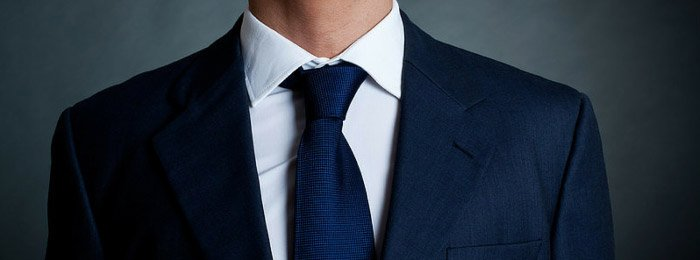 medium spread collar on a dress shirt