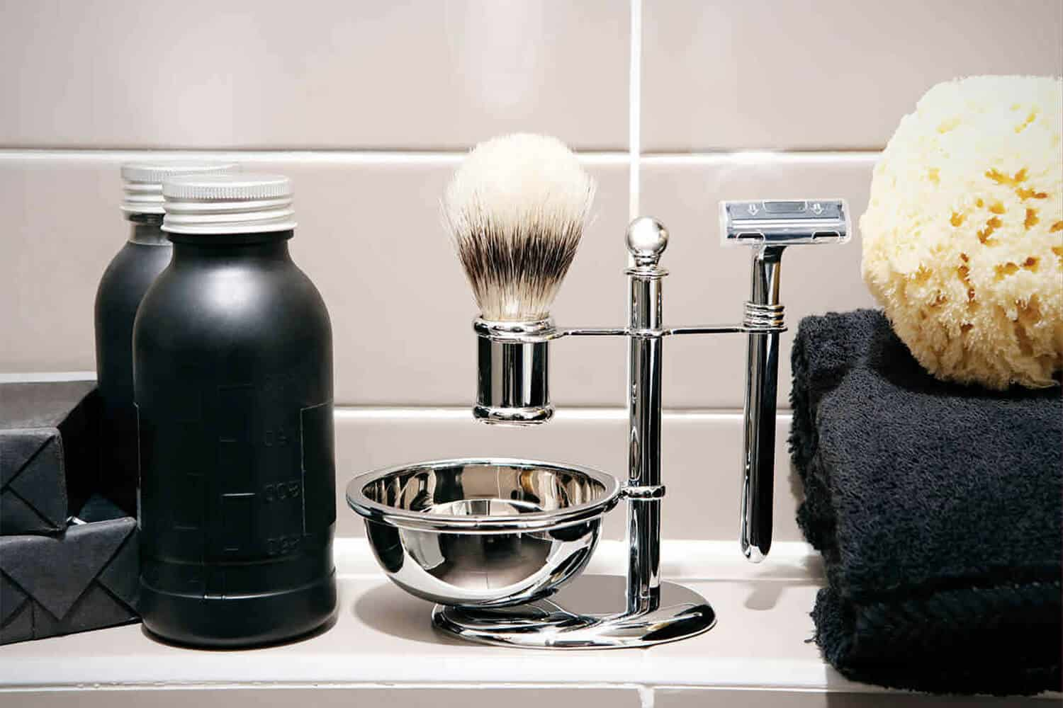 10 Best Shaving Kits For Men That Make For Great Gifts 2019