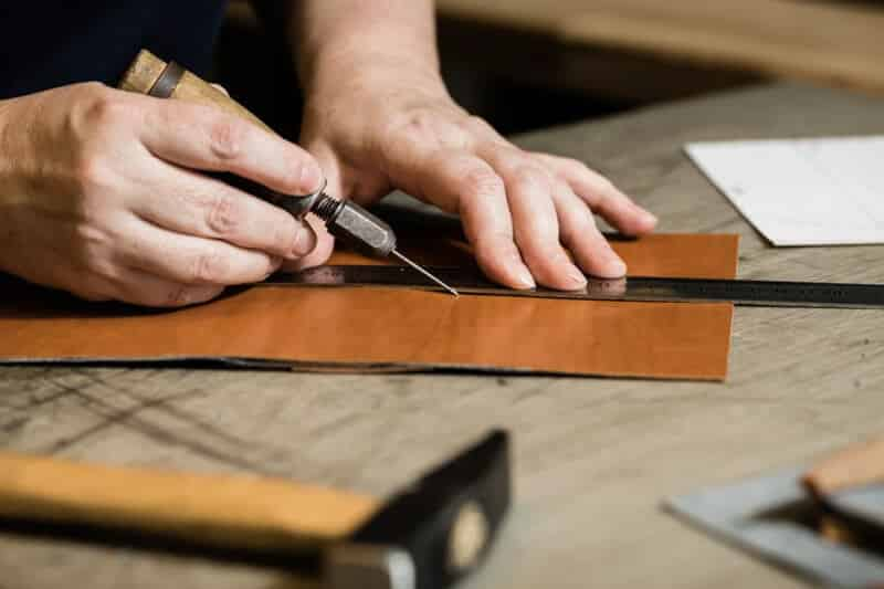 leatherworking a dopp kit