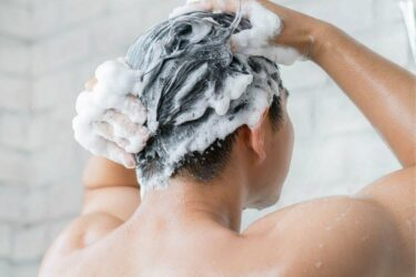 Best Dandruff Shampoos For Men With Dry & Itchy Scalps