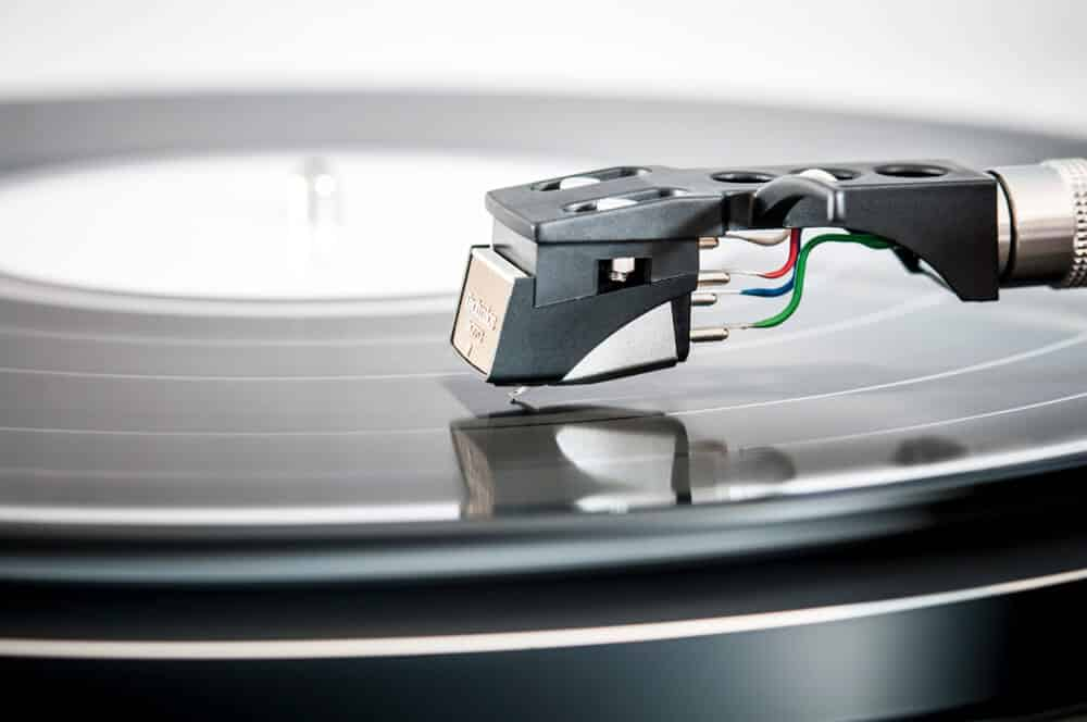 what to look for when buying a turntable