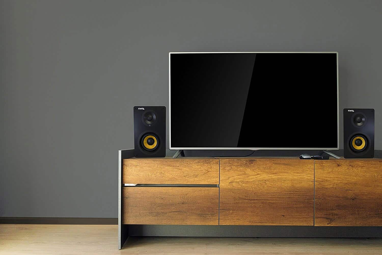 13 Best Powered Speakers That Can Fill A Room [2020]