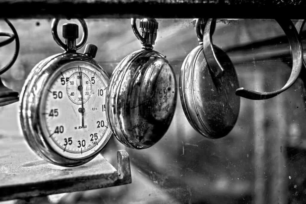 13 Best Pocket Watches For Men (Vintage To Digital)