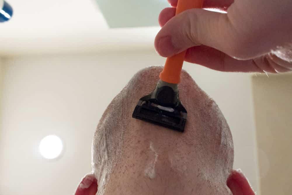 harrys review - shaving neck