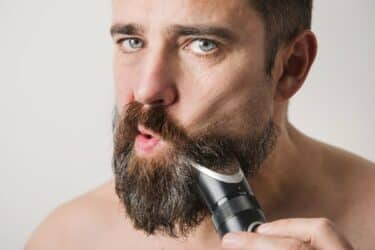 7 Best Beard Trimmers That Cut With Ultimate Precision (2021 Review)