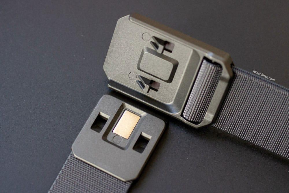 Groove Belt Buckle Design
