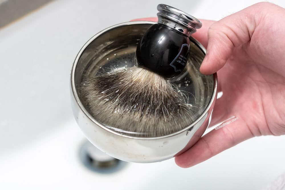 soak or bloom a shaving brush prior to lathering