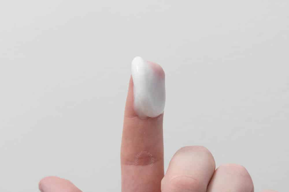 bulldog skincare review - moisturizer thickness